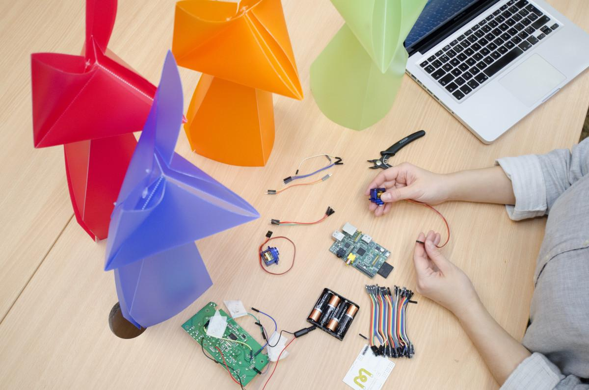 giant origami meets robotics technology. In Roborigami workshop, you will be taught how to combine origami, coding and wiring electronics to create roborigami
